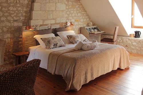 Aquarelle : Bed and Breakfast near Dangé-Saint-Romain