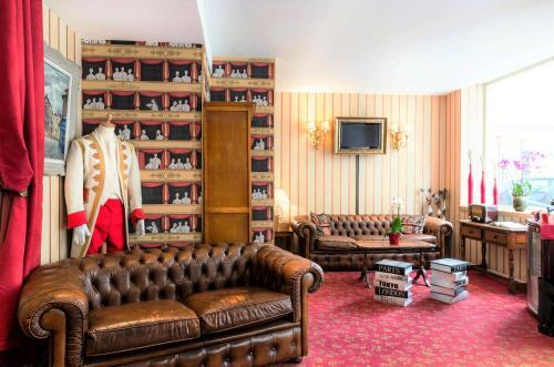 Hôtel du Théâtre by Patrick Hayat : Hotel near Paris 17e Arrondissement