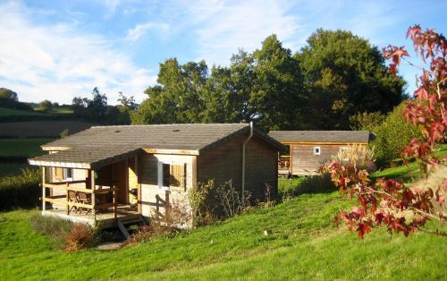 Les chalets de Chalaux : Guest accommodation near Guipy