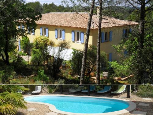La Bastide des Templiers : Guest accommodation near Varages