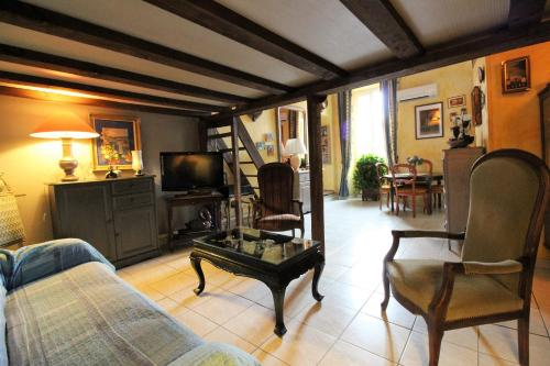May : Apartment near Villefranche-sur-Mer