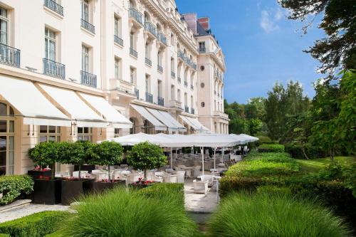 Waldorf Astoria Trianon Palace Versailles : Hotel near Noisy-le-Roi