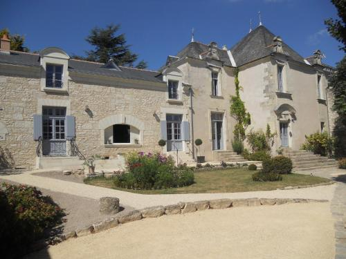 Manoir d'Orbé : Guest accommodation near Luzay