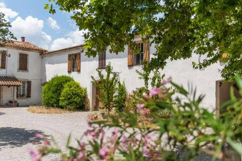 Maison de la Roche : Guest accommodation near Moux