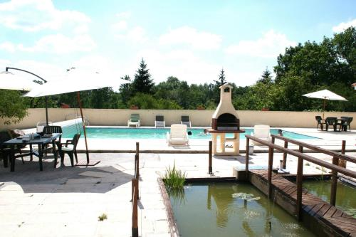 BonAbri Vacances : Bed and Breakfast near Rougnac