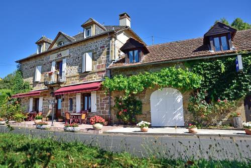Chambres d'Hôtes La Diligence : Guest accommodation near Jugeals-Nazareth