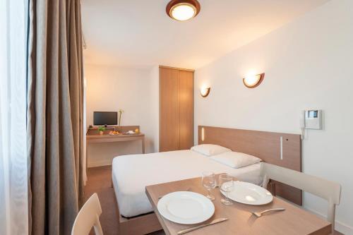 Appart'City Marseille Euromed : Guest accommodation near Marseille 16e Arrondissement