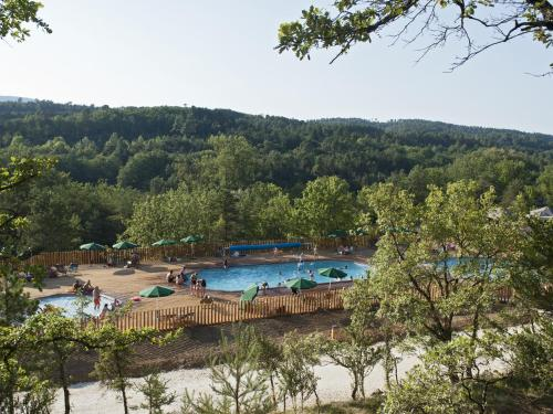 Village Huttopia Sud Ardèche : Guest accommodation near Vagnas