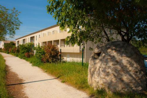 La Résidence Des Oliviers : Residence near Bagnols-sur-Cèze