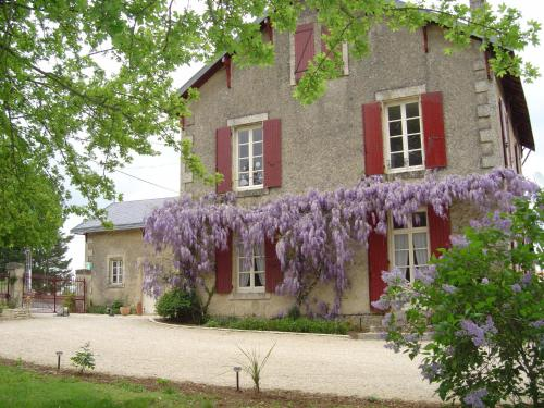 Les Vieilles Vignes : Guest accommodation near Sainte-Eanne