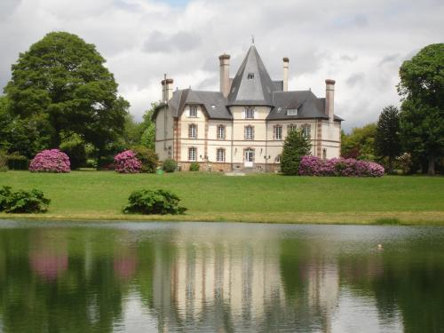 Chateau de la Hersonnière : Bed and Breakfast near Loscouët-sur-Meu