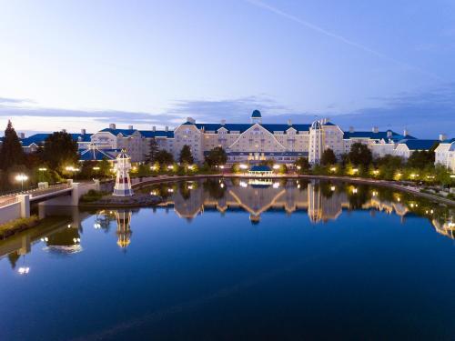 Disney's Newport Bay Club® : Hotel near Jablines