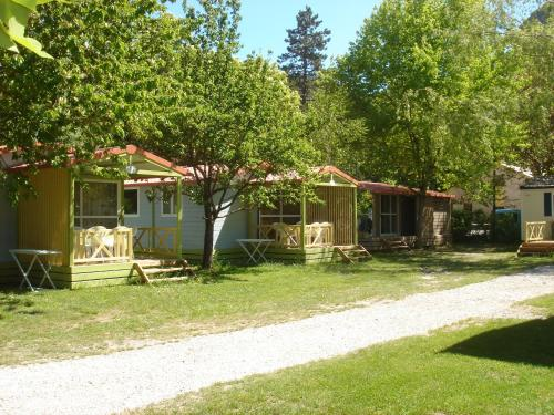 Camping Frédéric Mistral : Guest accommodation near Vergons