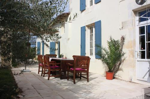 Le Chai O Soleils : Guest accommodation near Cozes