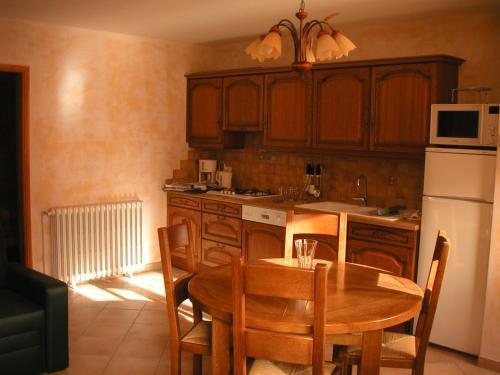 Gite En Auvergne Proche Vulcania : Guest accommodation near Saint-Pierre-le-Chastel