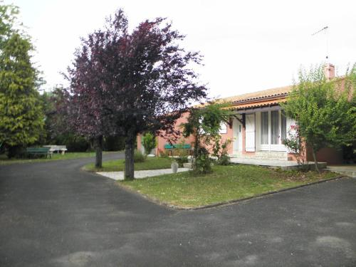 Gite De La Meronne : Guest accommodation near Saint-Amant-de-Boixe