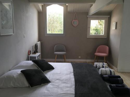 Chambres d'hôtes Des Tours à La Rochelle : Guest accommodation near L'Houmeau