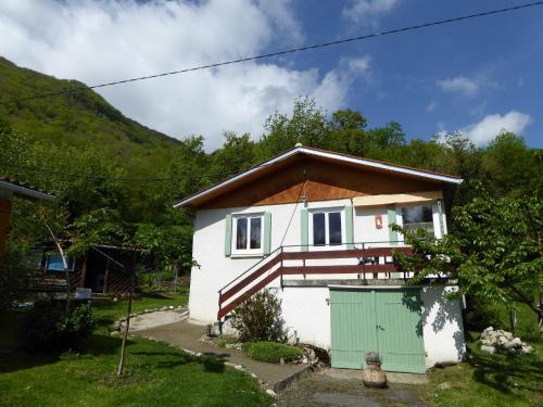 Hameau Melede Marmotte : Guest accommodation near Loures-Barousse