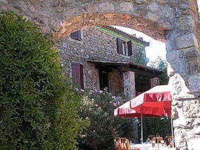 Logis Auberge Du Peras : Hotel near Saint-Bonnet-de-Salendrinque