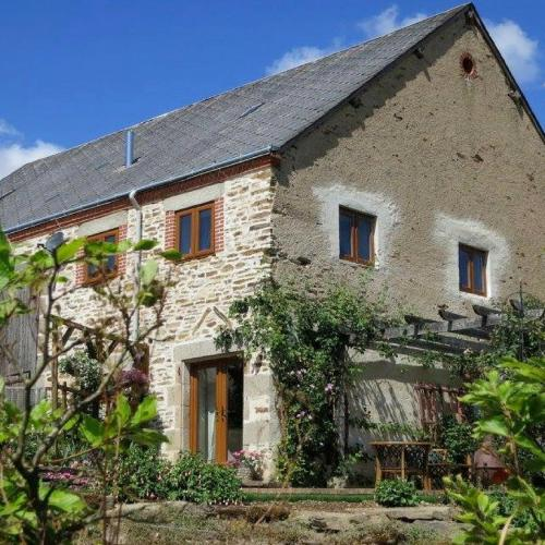 Gite Barbelle : Guest accommodation near Saint-Denis-de-Jouhet