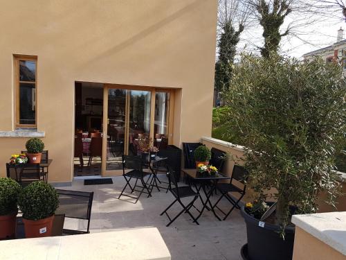 Le Terminus : Hotel near Chazay-d'Azergues