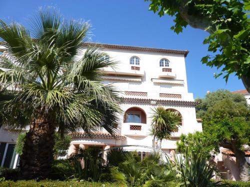Beau T2 en centre ville : Apartment near Bandol