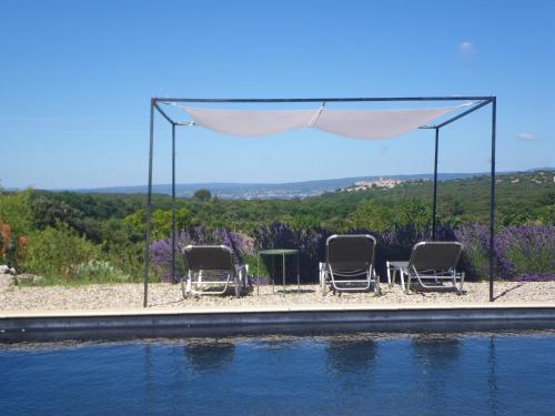 Les Esplanes : Bed and Breakfast near Clansayes