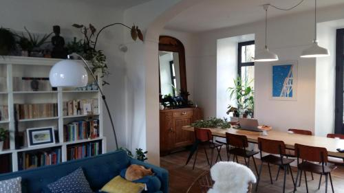 La Maison De La Rive Gauche : Bed and Breakfast near Buxeuil