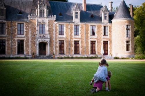 Château De Cheronne : Bed and Breakfast near Beillé