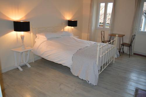 Maison Neuf : Guest accommodation near Tourreilles