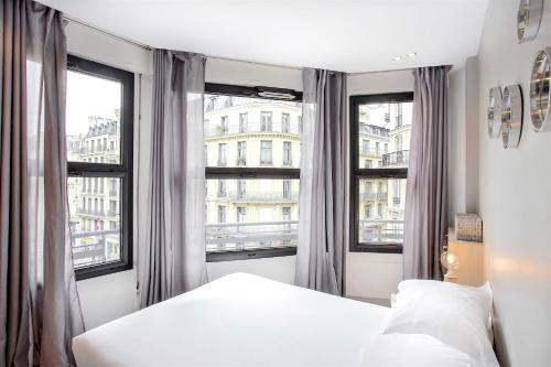 Saint Lazare Terrasse 3 : Apartment near Paris 8e Arrondissement