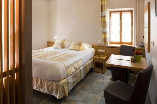 Auberge Les Murets : Hotel near Saint-Genest-de-Beauzon