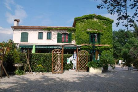 Auberge les Aromes : Hotel near Mouans-Sartoux