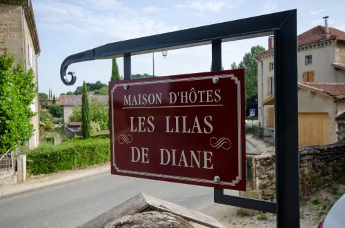 Les Lilas de Diane : Guest accommodation near Saint-Martin-d'Août