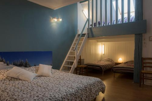 Chambres d'Hôtes Pom' Paille : Bed and Breakfast near Pupillin