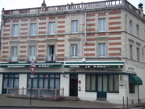 Hotel Restaurant Le Parc : Hotel near Vaumas
