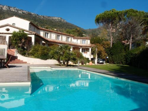 Villa Sainte Colombe : Guest accommodation near La Gaude