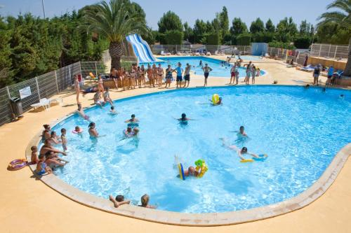 Camping Sunissim L'Europe By Locatour : Guest accommodation near Mireval