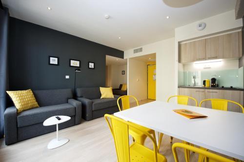 Staycity Aparthotels Rue Garibaldi : Guest accommodation near Lyon 7e Arrondissement