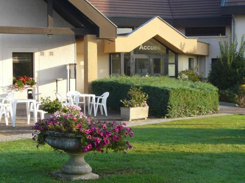Mont Vernon : Hotel near Douains