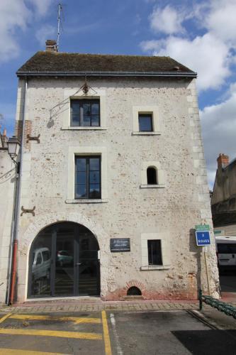 La Tour aux grains : Bed and Breakfast near Sembleçay