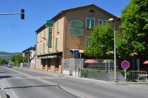 Hotel de la Haute Provence : Hotel near Aiglun