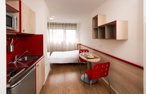 Phileas Lodge : Guest accommodation near Lyon 8e Arrondissement