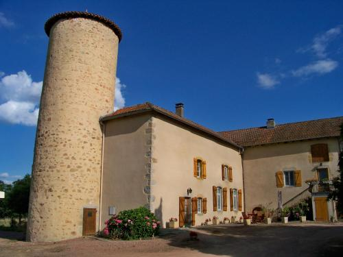 Gite De La Tour De Rouilleres : Guest accommodation near Lenax