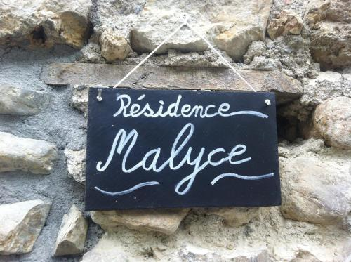 Résidence Malyce : Apartment near Castillon
