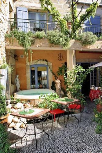 Maison d'Hôtes Douce France : Bed and Breakfast near Comps