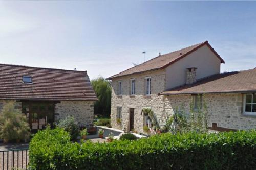 Vacances au bon accueil : Bed and Breakfast near Ars-les-Favets