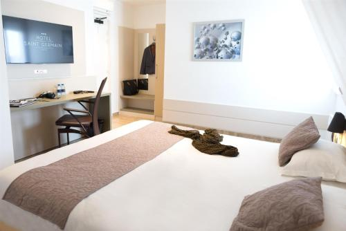 Hôtel Le Saint Germain : Hotel near Drancy