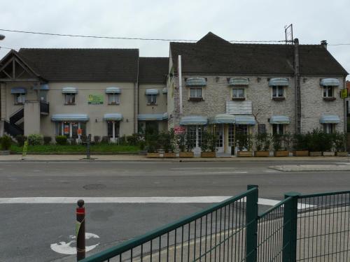 Hotel La Belle Etape : Hotel near Buthiers