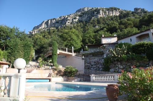Maisonette de L'horizon : Guest accommodation near La Gaude
